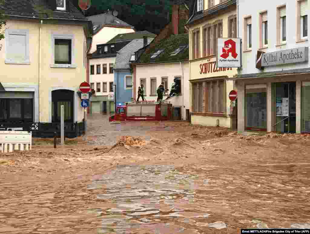 Imagini ale pagubelor provocate de inundații în Germania