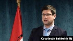 Gulyás Gergely beszél az Értékteremtő Közösségekért-díj átadásán a Miniszterelnökségen, 2021. február 2-án.