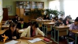Про Будищенську ЗОШ І-ІІІ ступенів розповідає заступник директора з навчально-виховної роботи Алла Соліна