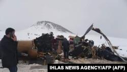 На месте крушения вертолета в провинции Битлис, Турция, 4 марта 2021 года.
