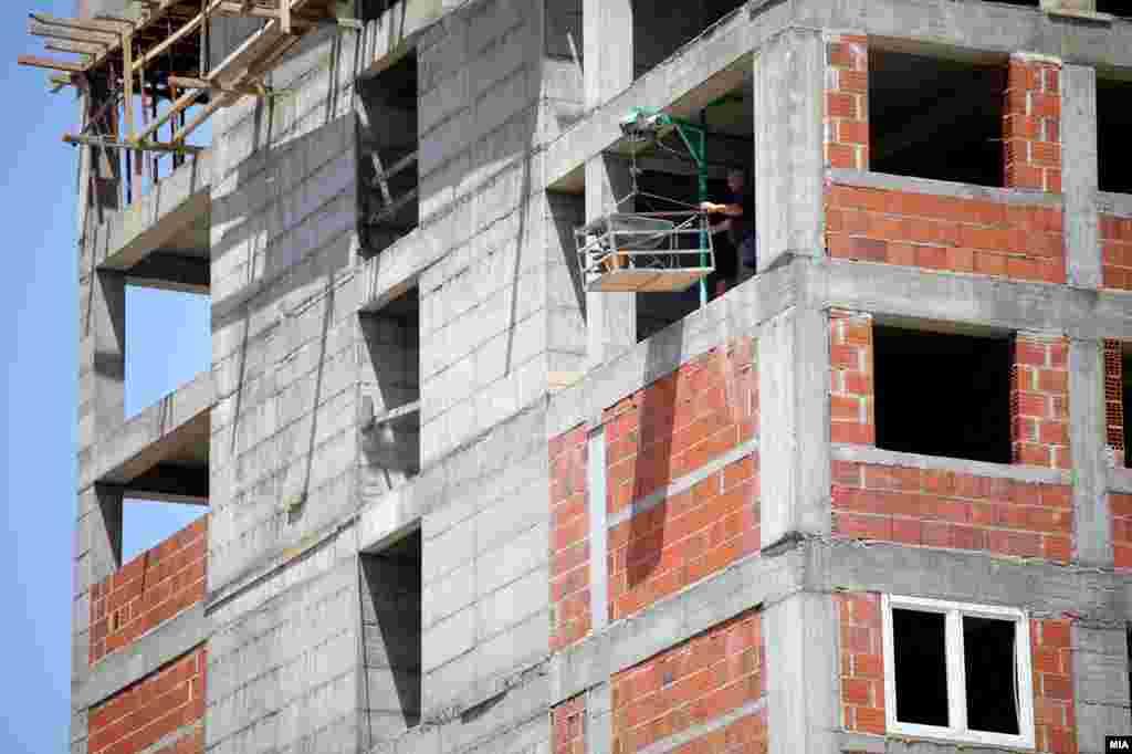 Изградба на зграда во Скопје
