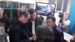 Судебные приставы пришли в офис НТС арестовать имущество канала