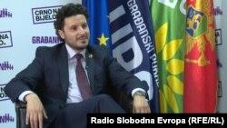 """Lideri i koalicionit qytetar """"E zeza mbi të bardhë"""", Dritan Abazoviq."""