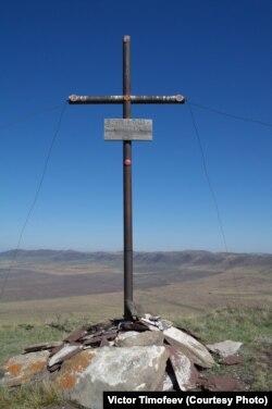 Крест на месте катастрофы
