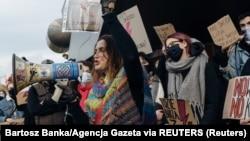 Участники протеста против решения Конституционного суда Польши о запрете абортов. Гданьск, 28 октября 2020 года.