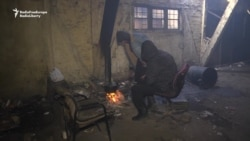 Migrants Get Stoves To Cope With Frigid Serbian Winter