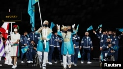 Казахстанская делегация на церемонии открытия Паралимпийских игр. Токио, 24 августа 2021 года