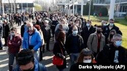 Масовна вакцинација на странски државјани викендов имаше во Белград и Ниш