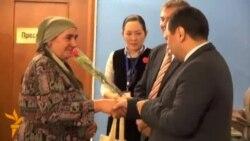 В Бишкеке вручили паспорта лицам без гражданства