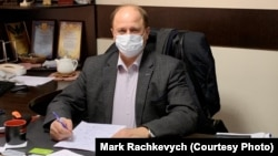 Dokter Ukraina Oleksandr Shchur dari rumah sakit perawatan intensif Boryspil. (foto file)