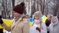 Тисячі дніпропетровців пройшли маршем, протестуючи проти «проплачених Антимайданів»