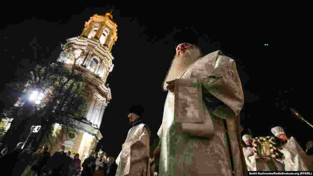 Великоднє богослужіння із Києво-Печерської Лаври Російської православної церкви в Україні (УПЦ МП)