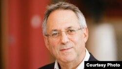 Richard Caplan, profesor međunarodnih odnosa na Univerzitetu Oxford