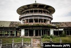 Заброшенный дворец Мобуту в Заире