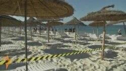 Минглаб туристлар Тунисни тарк этмоқда