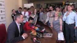 На засідання Київради увірвалися активісти: вимагали припинити будівництво на Осокорках
