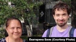 Алексей Ворсин (справа) с адвокатом