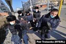 Задержание протестующих в Алматы 10 января 2021 года.