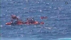 Migranti u očaju pokušavaju plivajući da se dokopaju Italije