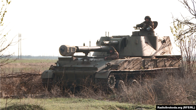САУ 2С3 «Акація» під час навчань українських військових