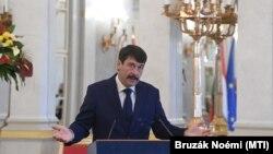 Áder János köztársasági elnök sajtótájékoztatót tart a Sándor-palotában 2021. május 12-én