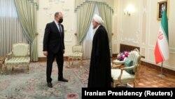 Сергеј Лавров и иранскиот претседаел Хасан Рохани на средба во Техеран (13 април 2021)