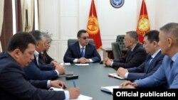 Встреча президента Садыра Жапарова с заместителем председателя Совбеза Таалатбеком Масадыковым.