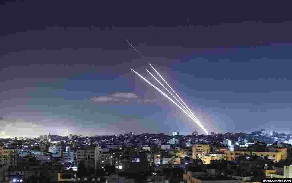 САД / ИЗРАЕЛ / ПАЛЕСТИНА - Американскиот претседател Џон Бајден му порача на израелскиот премиер Бенјамин Нетенјаху дека денеска очекува значителна деескалација на конфликтот во Газа, кој трае веќе десетти ден.