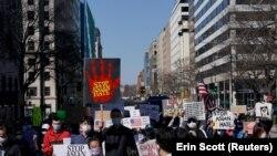 Atlantában az ázsiai-amerikaiak elleni erőszak ellen vonultak utcára március 21-én.