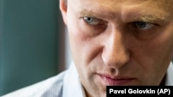 За повідомленням, Навальноговід'єднують від апарату штучної вентиляції легенів
