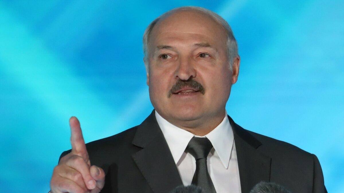 Россия изменила братские отношения с Беларусью на партнерские, и зря - Лукашенко
