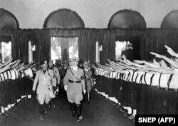 Бенито Муссолини и Адольф Гитлер, 25 сентября 1937 года
