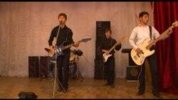 Немного рок-н-ролла из Майлуу-Суу