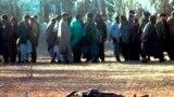Tálib igazságszolgáltatás, 1996. A gyilkosságért egy tálib bíróság által halálra ítélt harmincéves Ghulam Mahmad holtan fekszik, miután egy tálib fegyveres agyonlőtte egy kabuli iskola játszóterén 1996. december 18-án