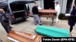 Transport kovčega sa sarajevskog groblja Bare, 31. mart, 2021.