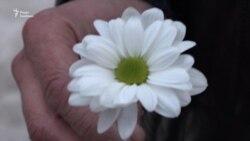 У День боротьби з туберкульозом у Запоріжжі роздавали білі квіти (відео)