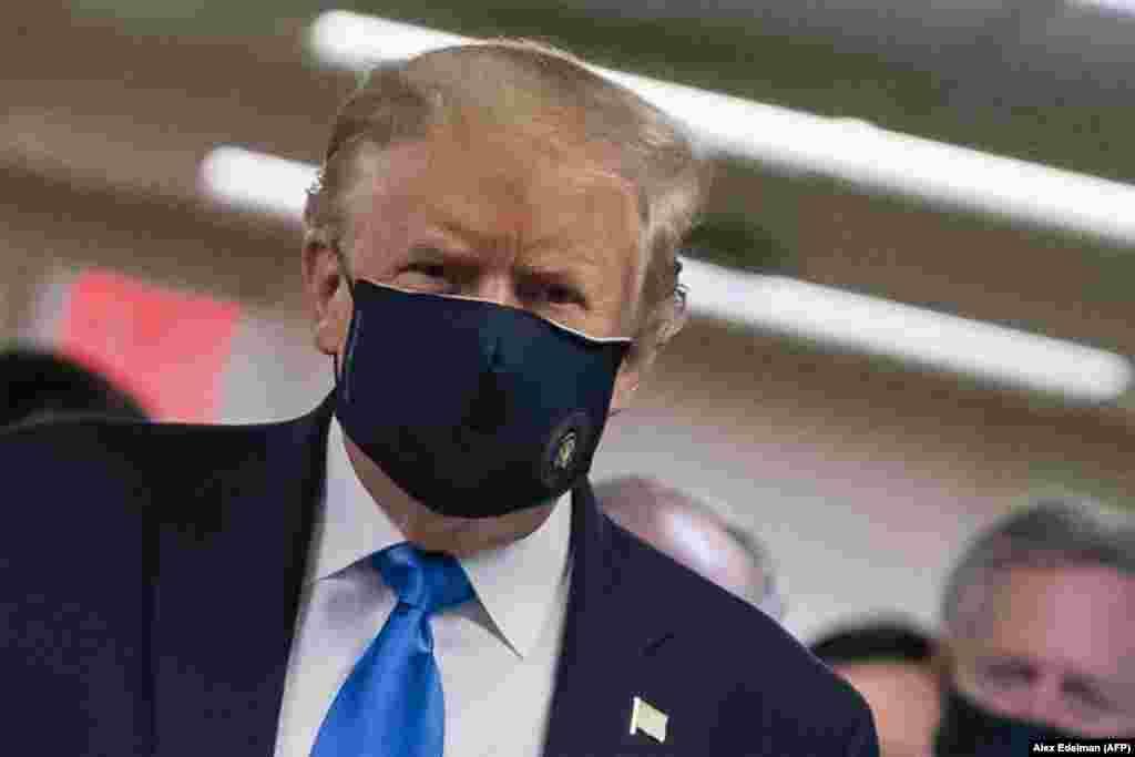 САД - Претседателот на САД Доналд Трамп, на неговиот прв брифинг во Белата куќа за пандемијата од април, предупреди дека во Соединетите држави пандемијата на коронавирус ќе се влоши, пред да започнат работите да се подобруваат.