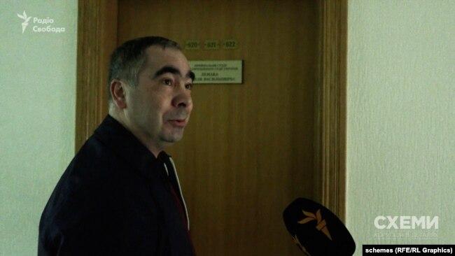Суддя Василь Лемак порадив «подивитися на сайті», хто є головою КСУ
