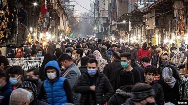 Уличный базар в Тегеране. Зима 2021 года