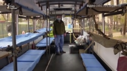 Зеленський відвідав мобільний шпиталь, де прийматимуть військових із підозрою на коронавірус (відео)