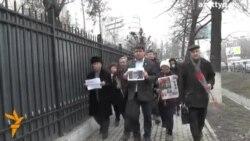 Акция памяти Немцова в Алматы