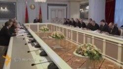 Беларус Россия билан савдо қилишда доллар ва еврога ўтади