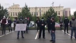 «Аким, выходи!» Предприниматели Шымкента собрались на протест