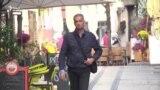 კოსოვოში მასობრივ მკვლელობებს გადარჩენილი კაცი სამართალს ეძიებს