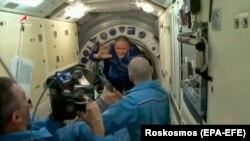 Российский космонавт Сергей Кудь-Сверчков на МКС