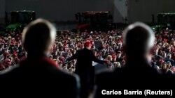 Айова, президент Доналд Трамп ба таблиғи барномаи интихоботиаш машғул аст. 14-уми октябр