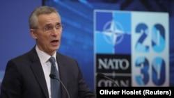 """Генералният секретар на НАТО Йенс Столтенберг обяви преди седмици, че войниците от алианса ще се оттеглят от Афганистан само в при """"настъпването на правилния момент"""""""