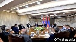 Ermənistanın baş nazir əvəzi Nikol Paşinyanın parlamentdəki siyasi qüvvələrlə görüşü-25 iyul,2021