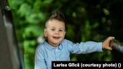 Eric Gîlcă a vizitat de trei ori România, știe limba română, iar părinții lui își doresc să facă o școală românească.