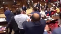 Ermənistan parlamentində əlbəyaxa dava